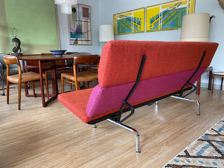 American Vintage Charles and Ray Eames Compact Sofa for Herman Miller, circa 1950s For Sale