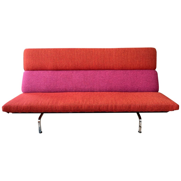 Vintage Charles and Ray Eames Compact Sofa for Herman Miller, circa 1950s For Sale