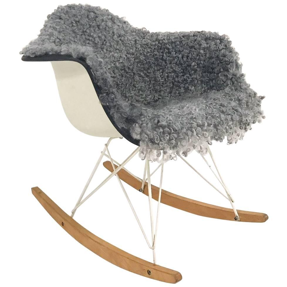 Vintage Charles and Ray Eames for Herman Miller RAR Rocking Chair Restored in Go