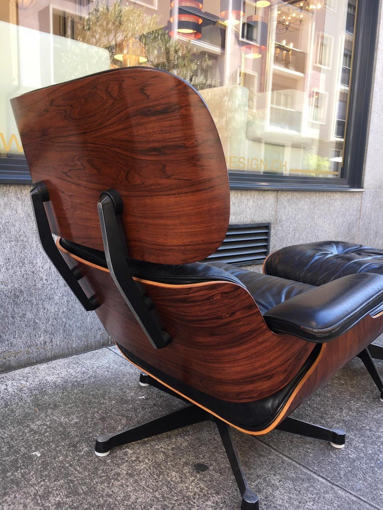 European Vintage Charles & Ray Eames Rosewood Lounge Chair & Ottoman For Sale