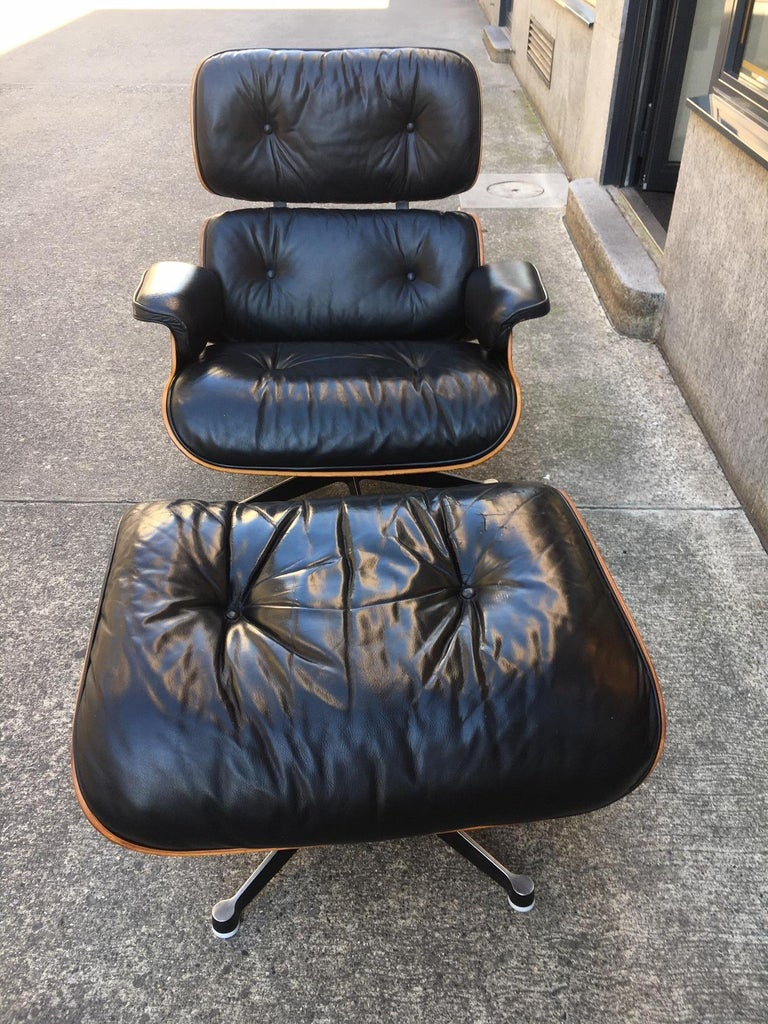 Late 20th Century Vintage Charles & Ray Eames Rosewood Lounge Chair & Ottoman For Sale