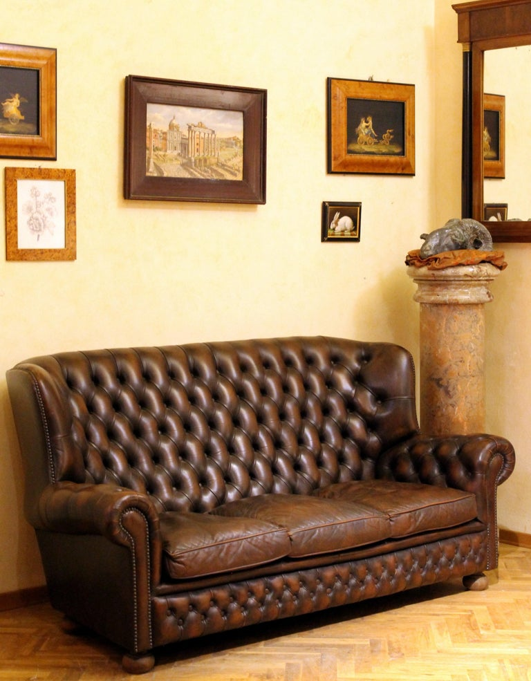 Vintage Chesterfield Sofa Brown Leather High Back Three Seats and Button Tufted In Good Condition For Sale In Firenze, IT