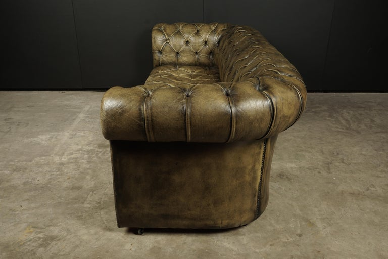 Mid-20th Century Vintage Chesterfield Sofa from England, circa 1950