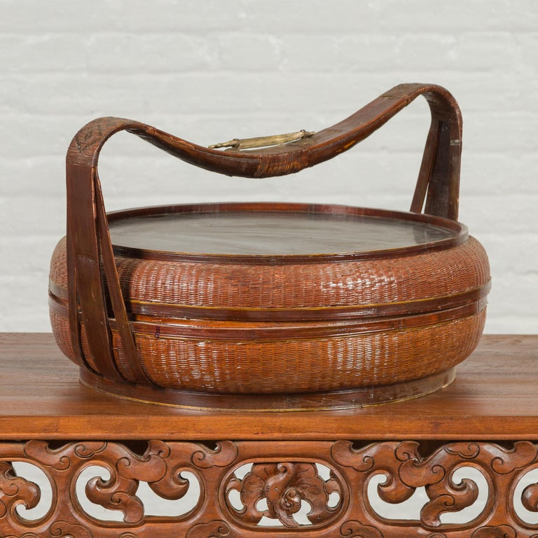 Vintage Chinese Bamboo and Rattan Covered Basket with Black Hand-Painted Décor For Sale 10