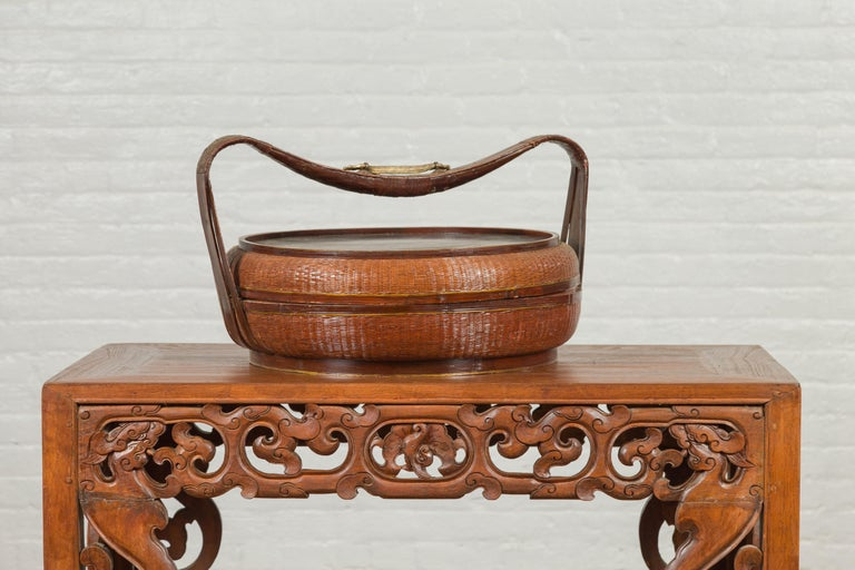Vintage Chinese Bamboo and Rattan Covered Basket with Black Hand-Painted Décor For Sale 2