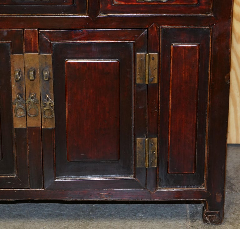 Vintage Chinese Cabinet Cupboard Sideboard Lacquered Carved and Detailed Piece For Sale 4
