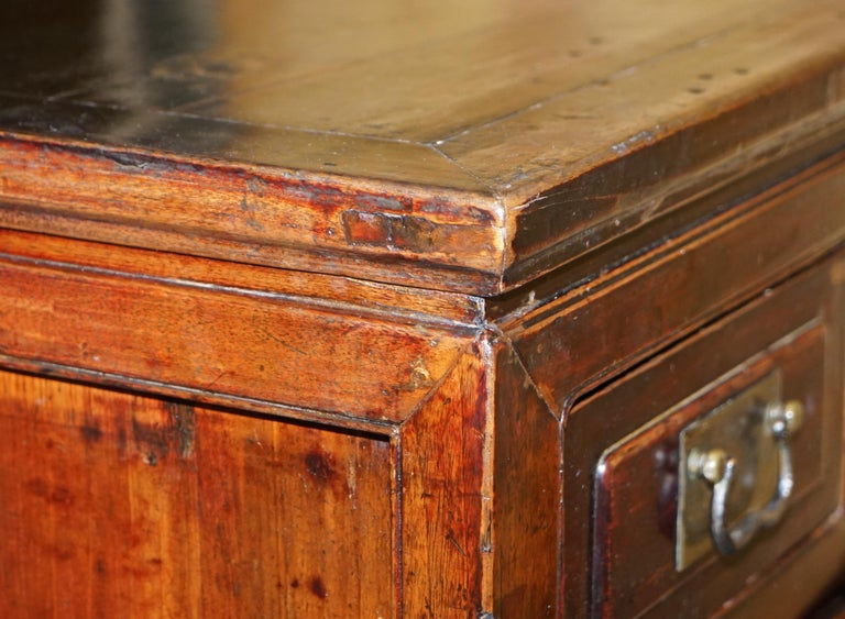 Vintage Chinese Cabinet Cupboard Sideboard Lacquered Carved and Detailed Piece For Sale 6