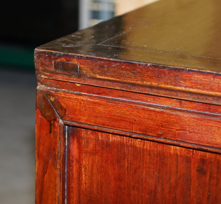 Vintage Chinese Cabinet Cupboard Sideboard Lacquered Carved and Detailed Piece For Sale 7