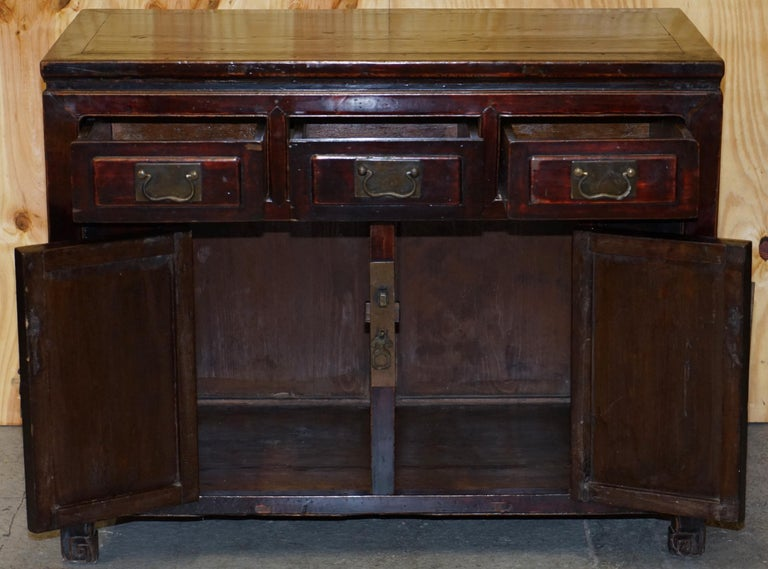 Vintage Chinese Cabinet Cupboard Sideboard Lacquered Carved and Detailed Piece For Sale 10