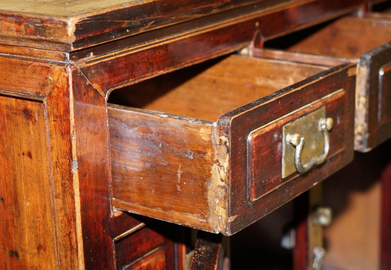 Vintage Chinese Cabinet Cupboard Sideboard Lacquered Carved and Detailed Piece For Sale 12
