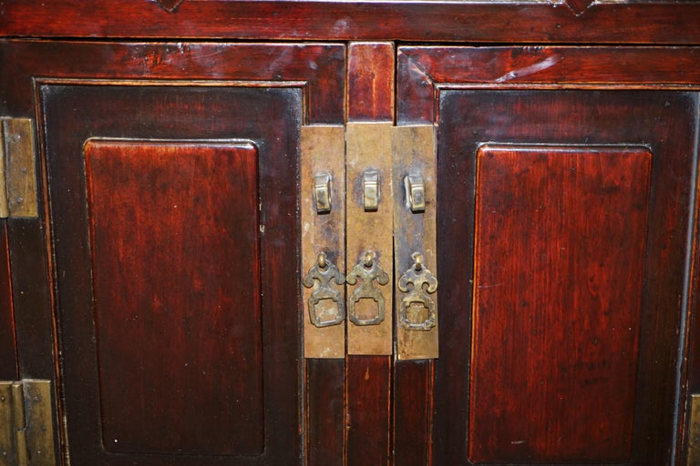Vintage Chinese Cabinet Cupboard Sideboard Lacquered Carved and Detailed Piece For Sale 13