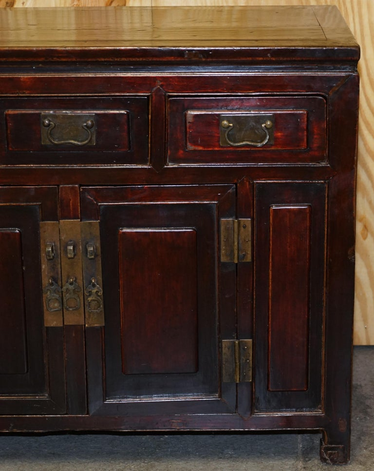 Vintage Chinese Cabinet Cupboard Sideboard Lacquered Carved and Detailed Piece For Sale 1
