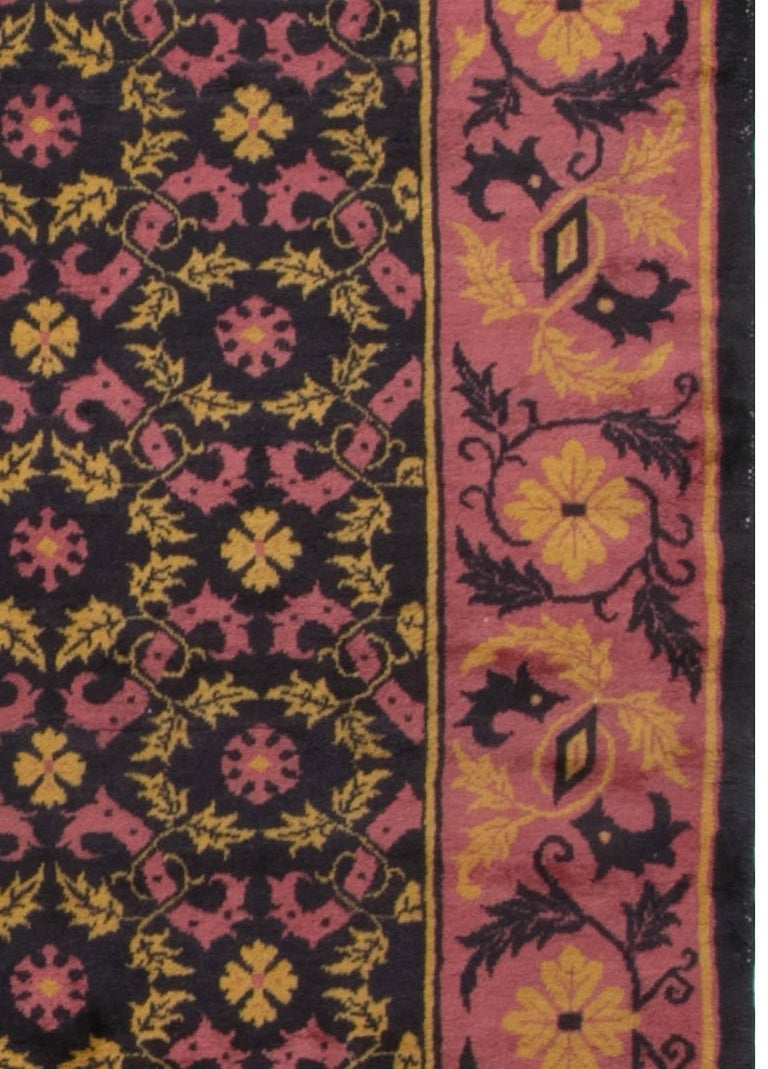 Vintage Chinese Deco Rug In Good Condition For Sale In New York, NY