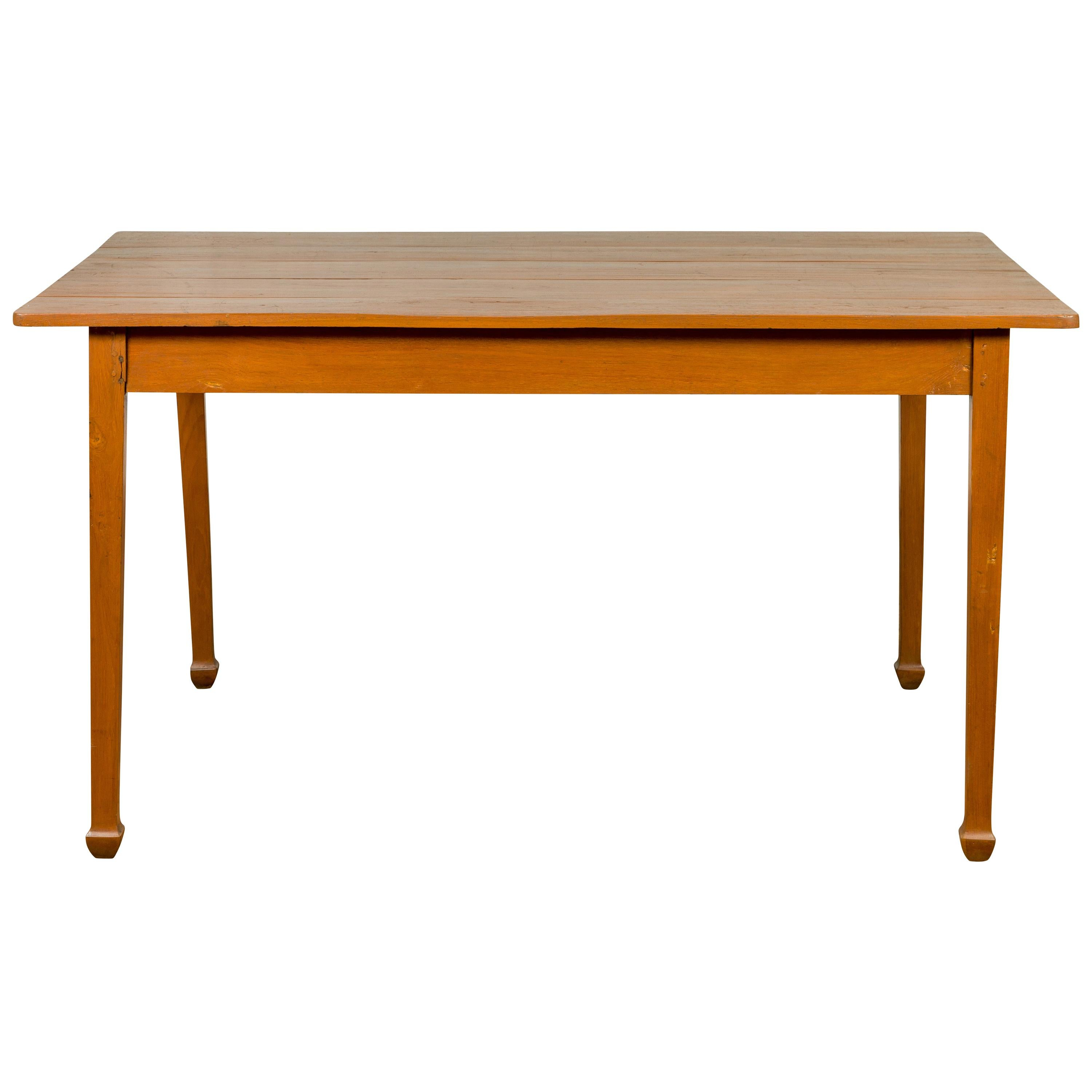 Vintage Chinese Dining Table with Simple Classical Design and Spade Feet