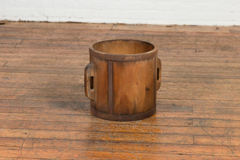 Vintage Chinese Grain Measuring Cup with Metal Braces and Lateral Handles For Sale 1