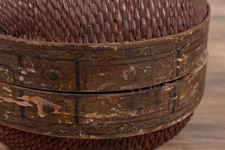 Vintage Chinese Midcentury Rattan Circular Hat Box with Weathered Patina For Sale 7