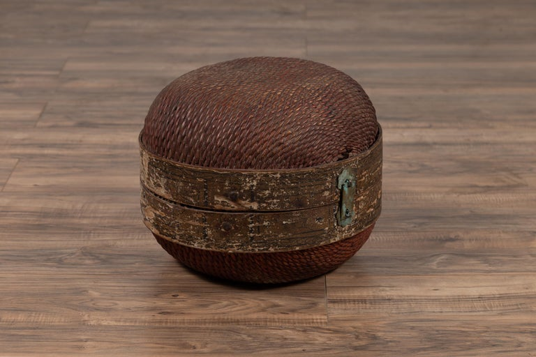 Vintage Chinese Midcentury Rattan Circular Hat Box with Weathered Patina In Good Condition For Sale In Yonkers, NY