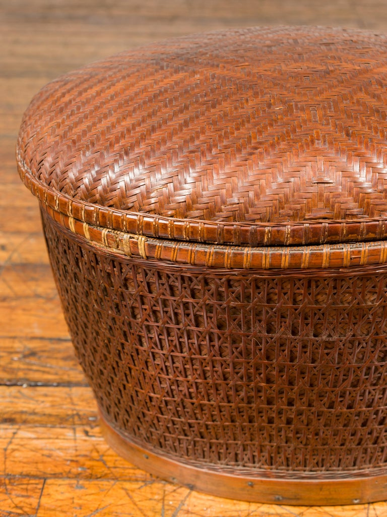Vintage Chinese Oval Woven Rattan Basket with Lid and Geometric Motifs For Sale 1