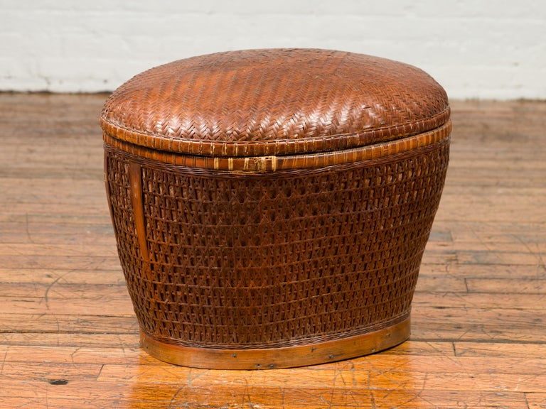 Vintage Chinese Oval Woven Rattan Basket with Lid and Geometric Motifs For Sale 3