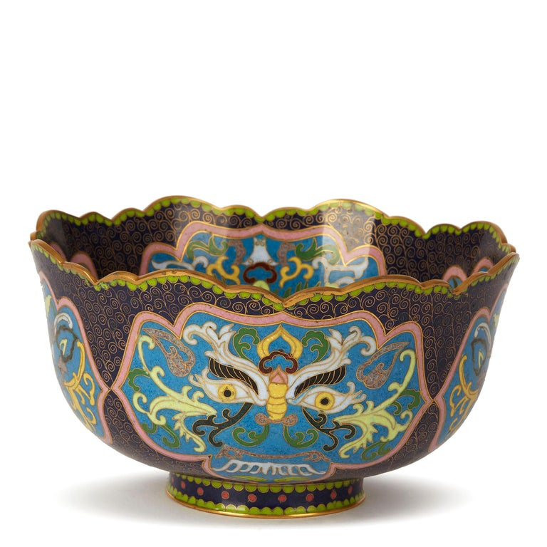 Cloissoné Vintage Chinese Republic Period Cloisonné Bowl, Early 20th Century For Sale