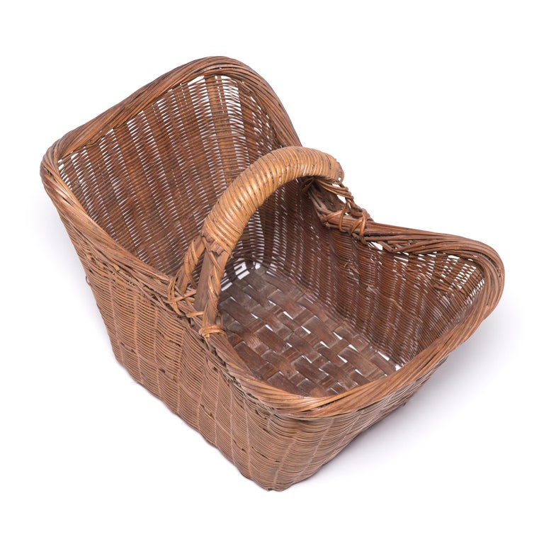 Vintage Chinese Twist Woven Market Basket In Good Condition For Sale In Chicago, IL