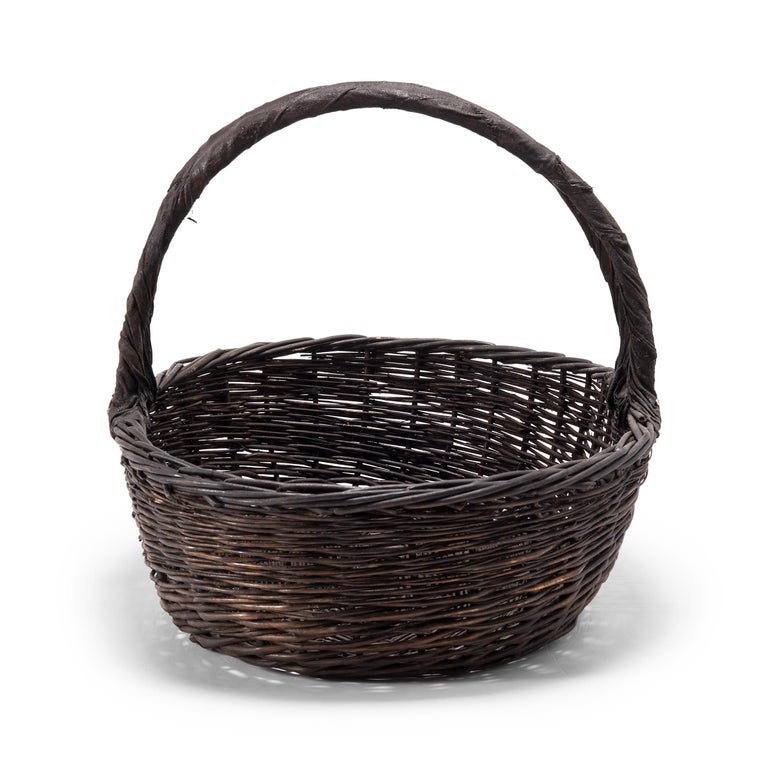 Hand-Woven Vintage Chinese Woven Vegetable Basket For Sale