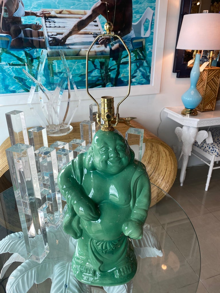 Vintage Chinoiserie Jade Green Buddha Ceramic Table Lamp Brass  In Good Condition For Sale In West Palm Beach, FL