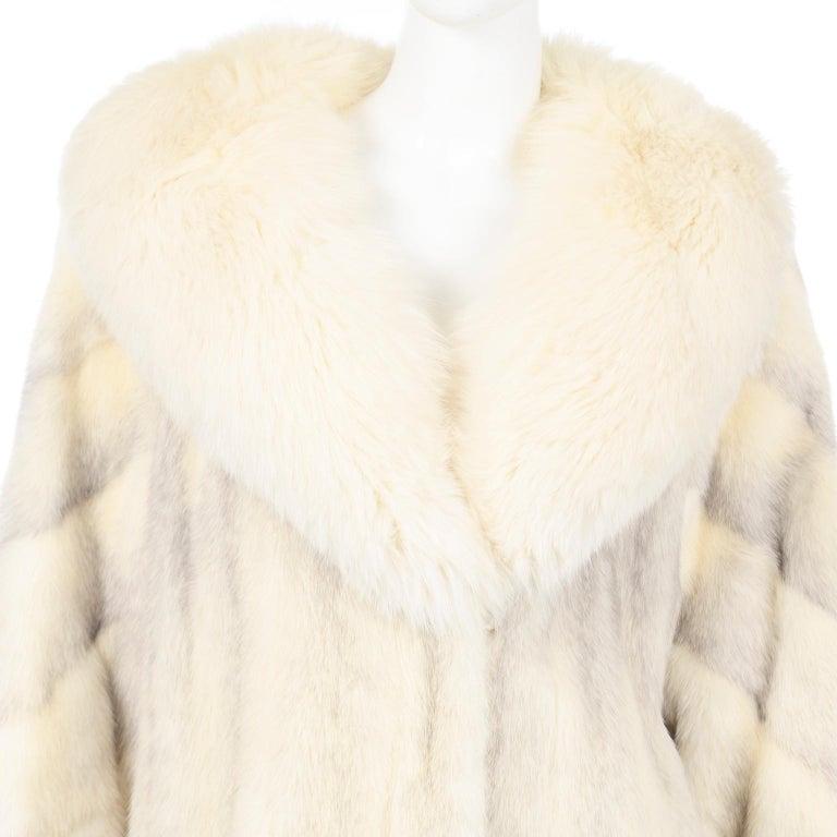 Vintage Christian Dior Fourrure White Mink Fur Coat w Fox Fur Collar For Sale 4