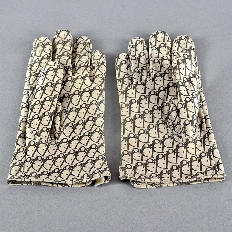 Vintage CHRISTIAN DIOR Monogram Logo Leather Gloves For Sale 1