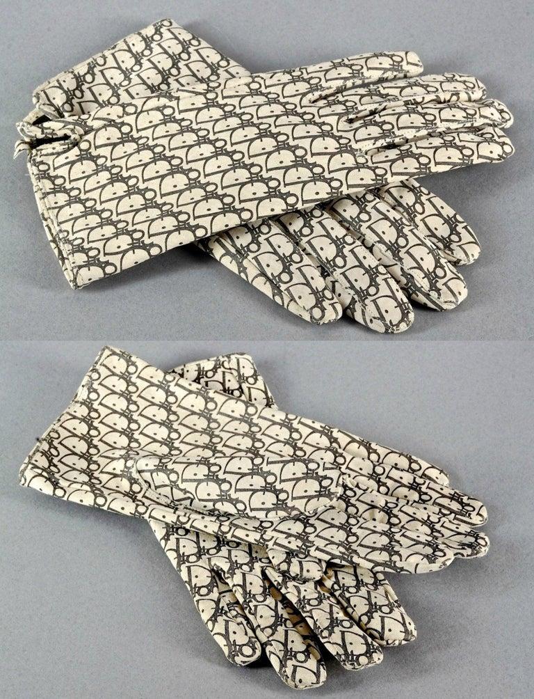 Vintage CHRISTIAN DIOR Monogram Logo Leather Gloves For Sale 3