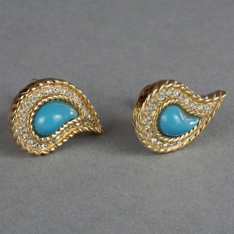 Vintage CHRISTIAN DIOR Paisley Turquoise Cabochon Rhinestone Earrings In Excellent Condition For Sale In Kingersheim, Alsace