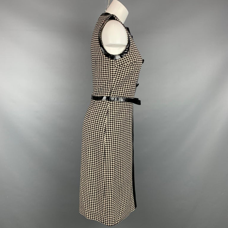 Vintage CHRISTIAN DIOR Size 4 Black & Cream Houndstooth Wool / Polyester  Dress In Good Condition For Sale In San Francisco, CA