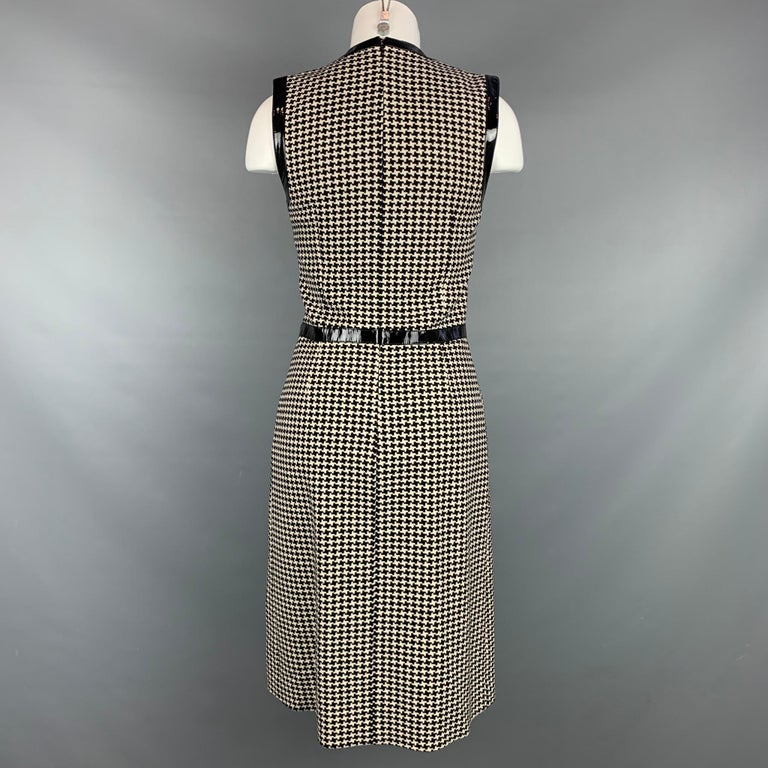 Women's Vintage CHRISTIAN DIOR Size 4 Black & Cream Houndstooth Wool / Polyester  Dress For Sale