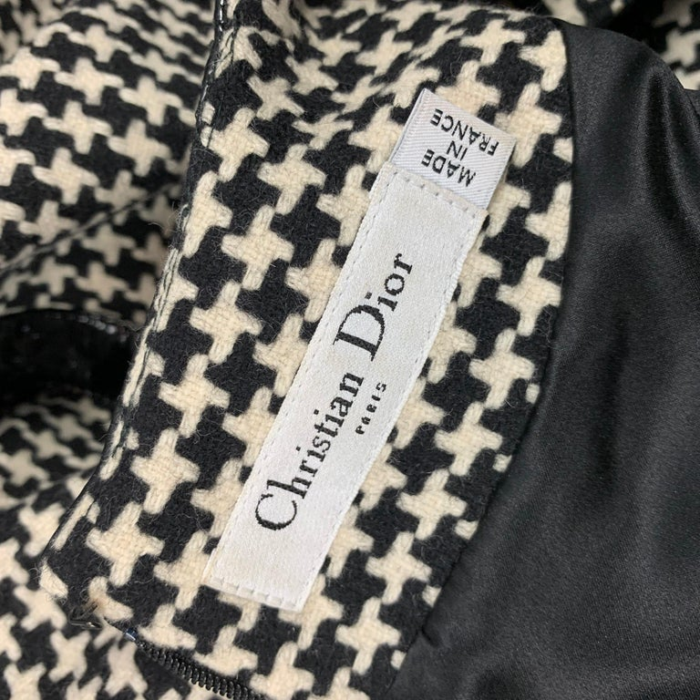 Vintage CHRISTIAN DIOR Size 4 Black & Cream Houndstooth Wool / Polyester  Dress For Sale 2