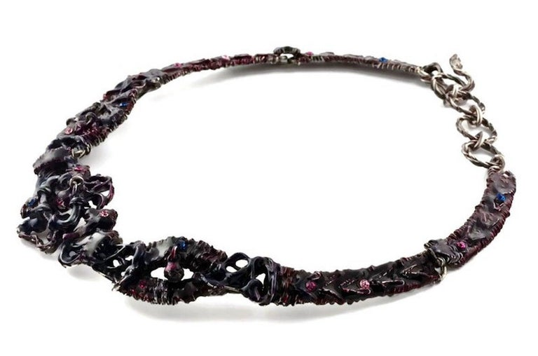 Vintage CHRISTIAN LACROIX Brutalist Enamel Rhinestones Choker Necklace In Excellent Condition For Sale In Kingersheim, Alsace