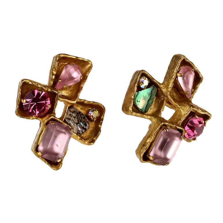 Vintage CHRISTIAN LACROIX Jewelled Cross Earrings In Excellent Condition For Sale In Kingersheim, Alsace