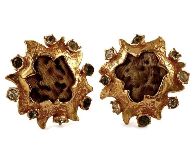 Vintage CHRISTIAN LACROIX Leopard Pony Hair Baroque Earrings In Good Condition For Sale In Kingersheim, Alsace