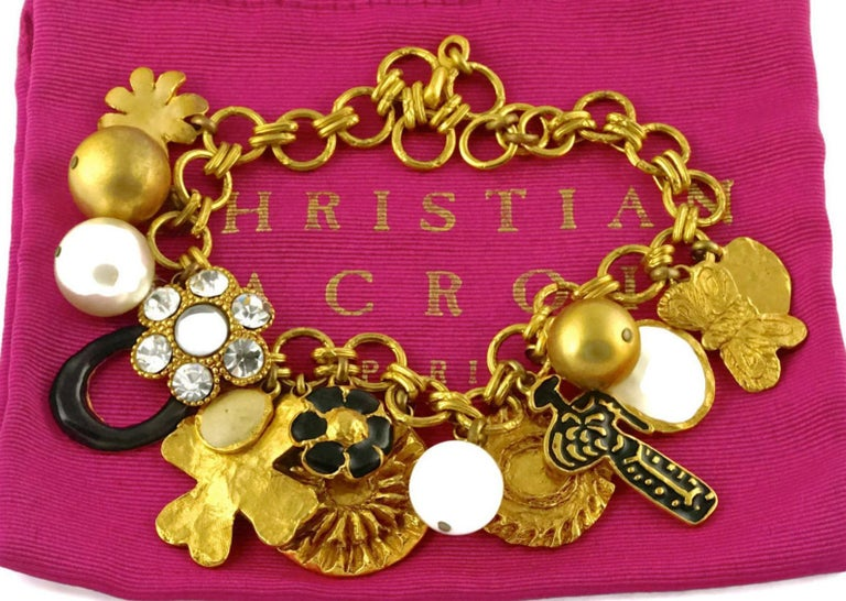 Vintage CHRISTIAN LACROIX Matador Multi Charm Chunky Necklace In Excellent Condition For Sale In Kingersheim, Alsace