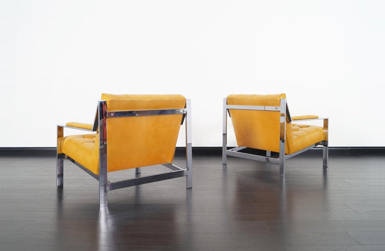 Vintage Chrome and Leather Biscuit Tufted Lounge Chairs by Cy Mann In Excellent Condition For Sale In Burbank, CA