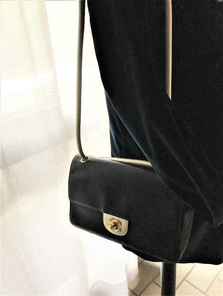 Women's Vintage classic CHANEL bag calf skin black/white 1990/95  For Sale