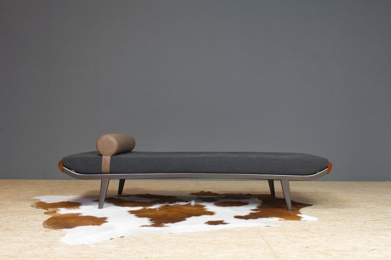 Vintage Cleopatra Daybed by Andre Cordemeyer in Charcoal Grey Linen, 1953 For Sale 2