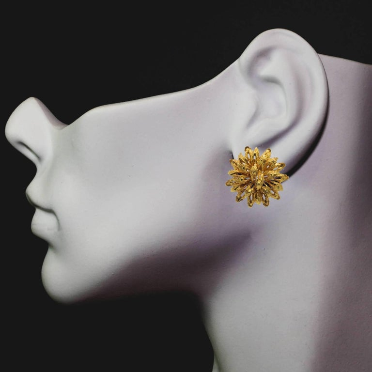 Modern Vintage Clip-On Gold Earrings For Sale