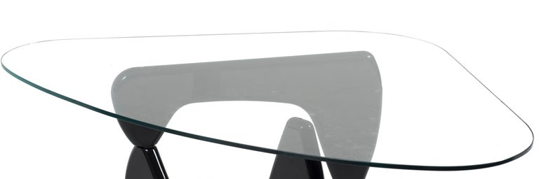 Japanese Vintage Coffee Table by Isamu Noguchi, circa 1980 For Sale