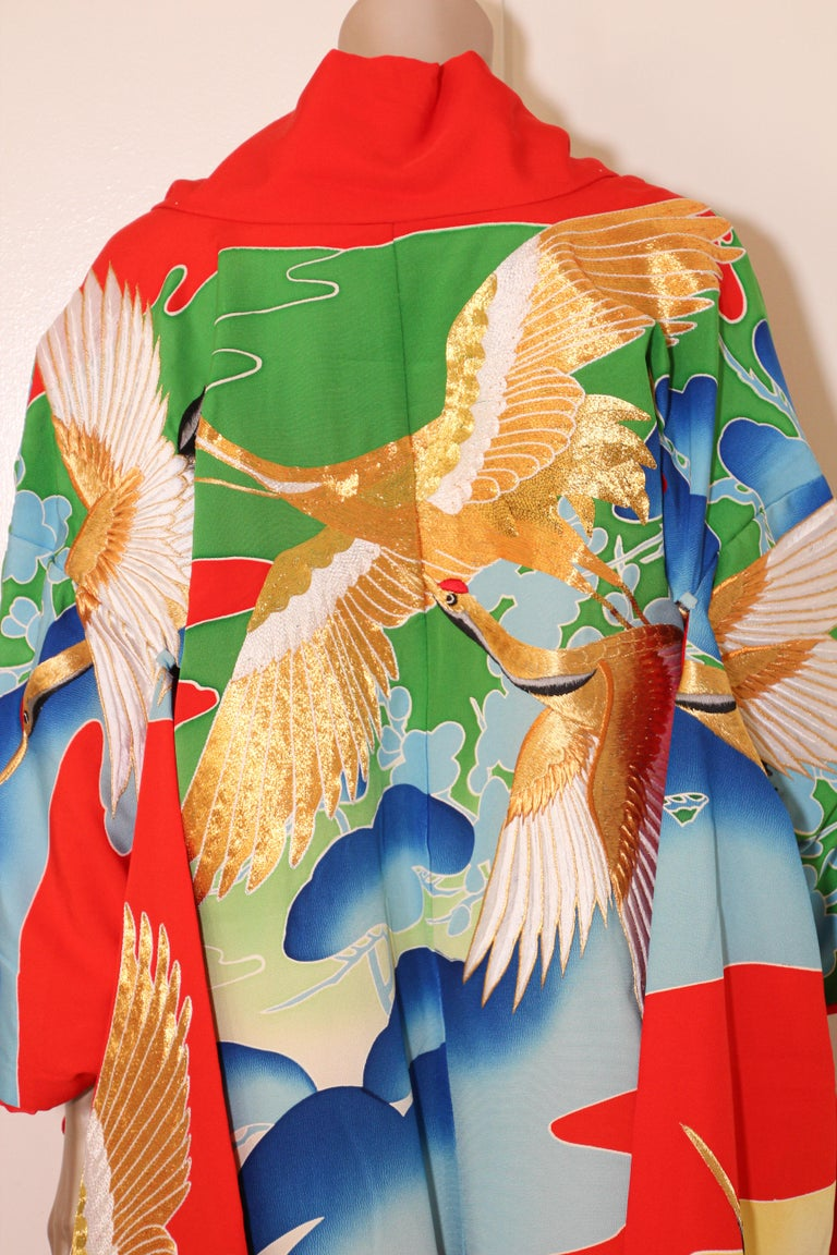 Vintage Collectable Japanese Ceremonial Kimono In Good Condition For Sale In North Hollywood, CA