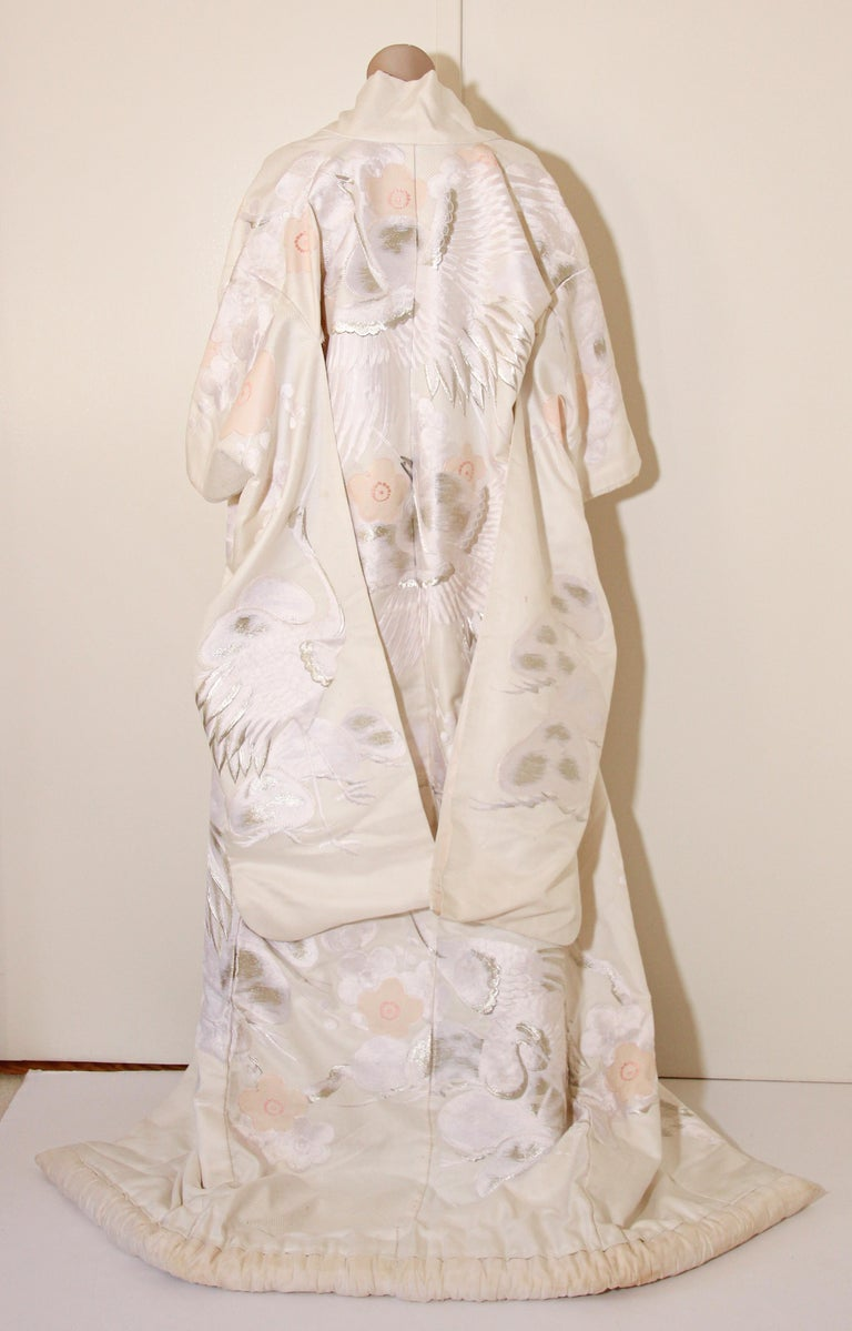 Vintage Collectable Japanese White Silk Ceremonial Wedding Kimono For Sale 11