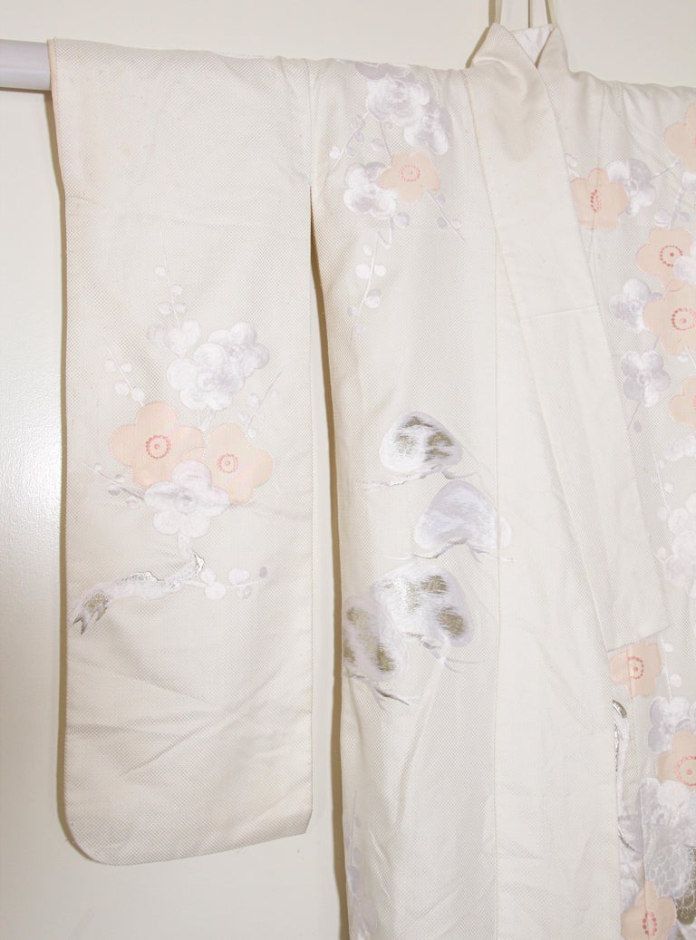 Hand-Crafted Vintage Collectable Japanese White Silk Ceremonial Wedding Kimono For Sale