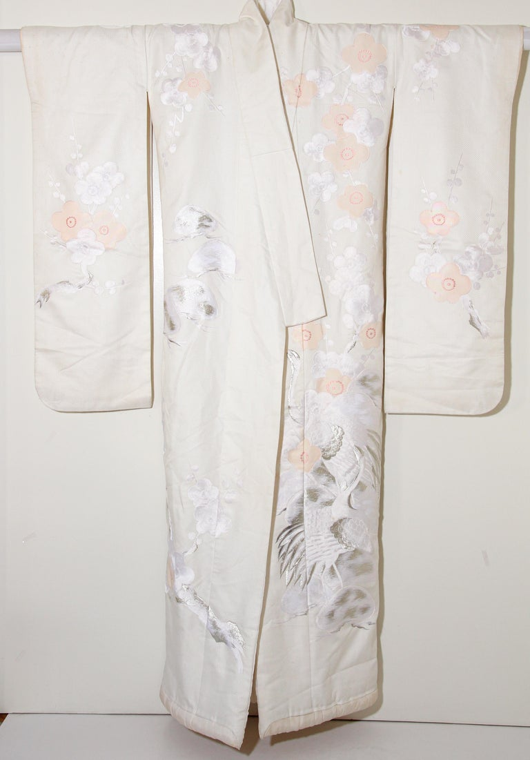 Vintage Collectable Japanese White Silk Ceremonial Wedding Kimono For Sale 2