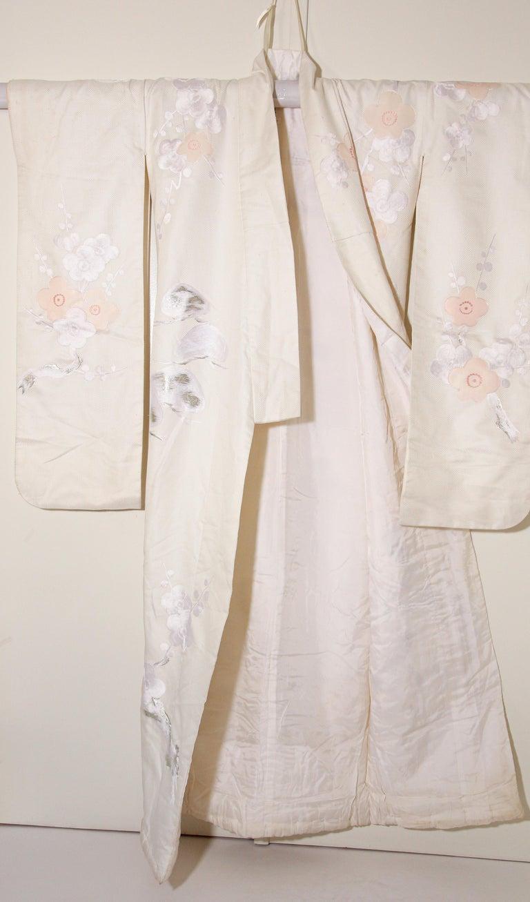 Vintage Collectable Japanese White Silk Ceremonial Wedding Kimono For Sale 3