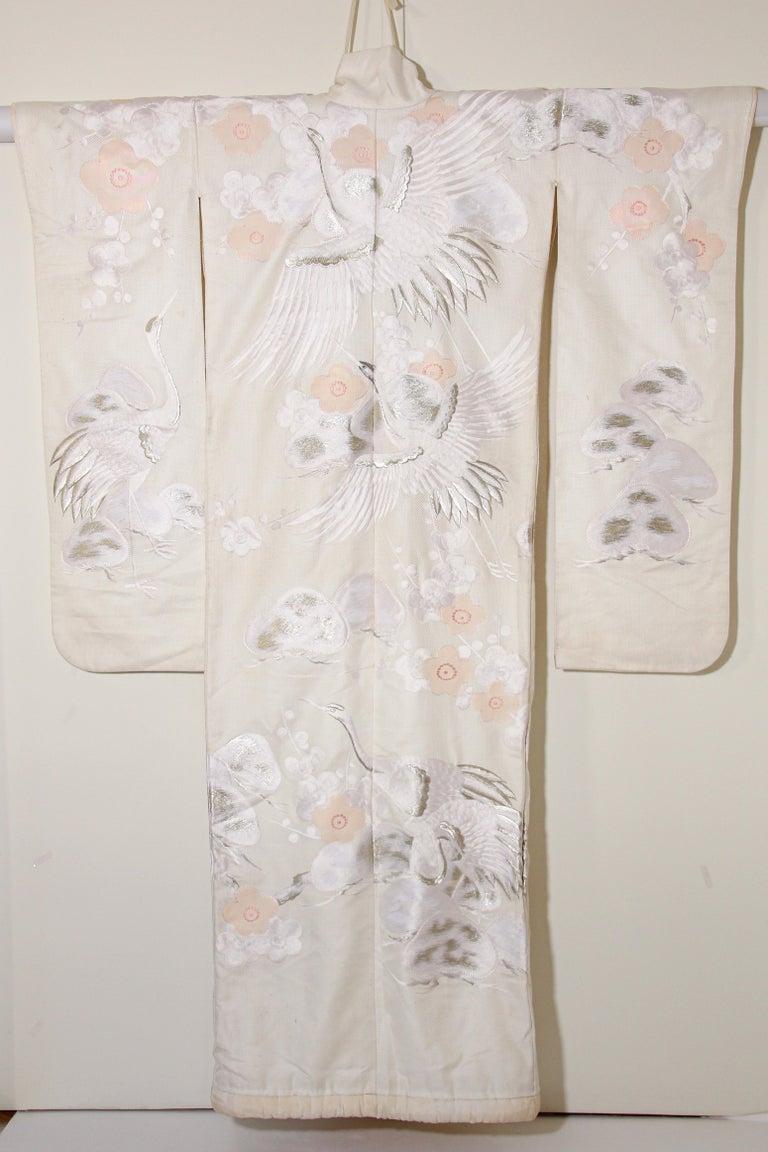 Vintage Collectable Japanese White Silk Ceremonial Wedding Kimono For Sale 4