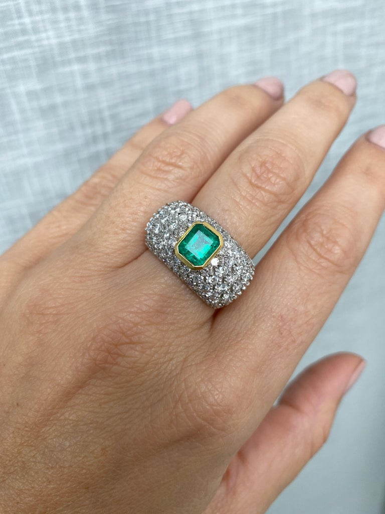 Vintage Colombian Emerald Diamond Gold Cocktail Ring For Sale 6